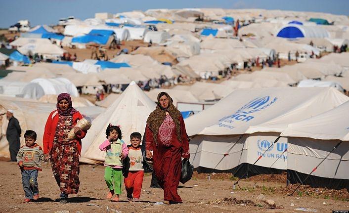Lübnan mültecilerin geri dönmesi için Esed'e baskı istedi
