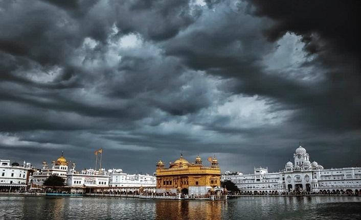 Pakistan'dan Hindistan'a tapınak jesti