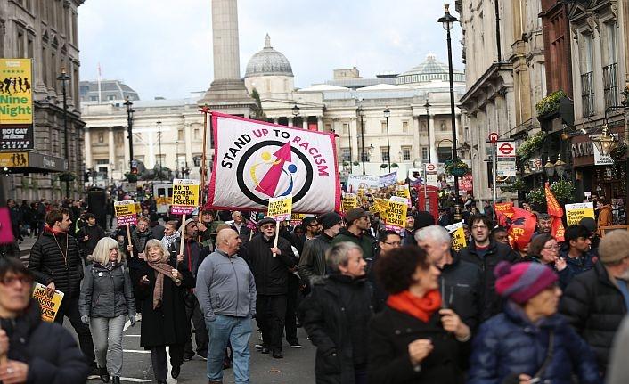 Londra'da hem yandaşlar hem karşıtlar sokağa çıktı