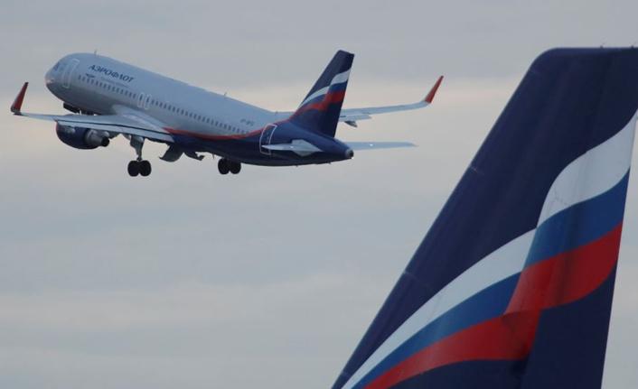 Rus yolcu uçağında 'Afganistan'a dönün' kaosu