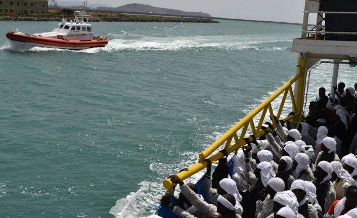 Göç mücadelesinde Libya'ya gemi takviyesi