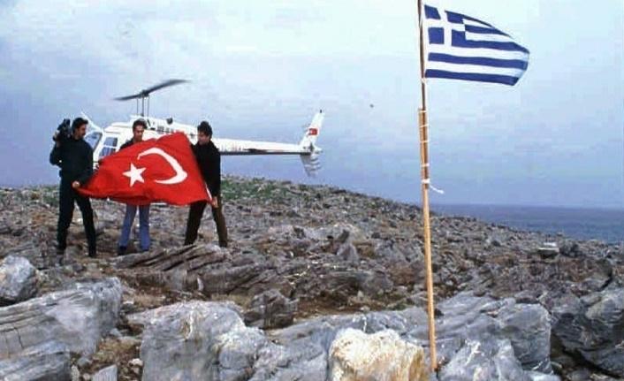 Bakan Akar'dan Yunanistan'a tepki: Hukuki anlaşmalar ihlal ediliyor