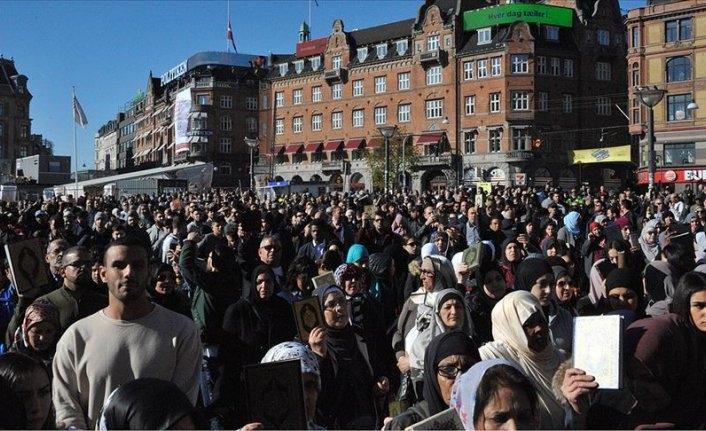 Danimarka'da Kur'ana ve kutsal kitaplara saygı yürüyüşü