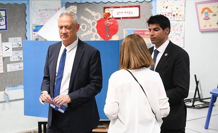 İsrail ana muhalefet liderinden erken seçimlerin iptali planına tepki