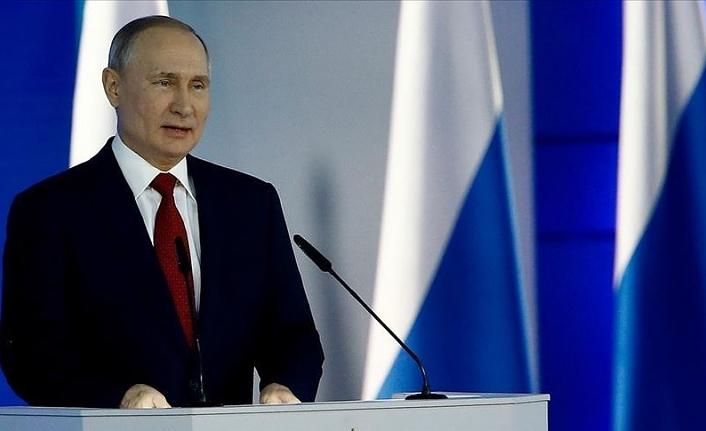 Rusya Devlet Başkanı Putin'den ABD Büyükelçiliğine 'LGBT simgesi' göndermesi