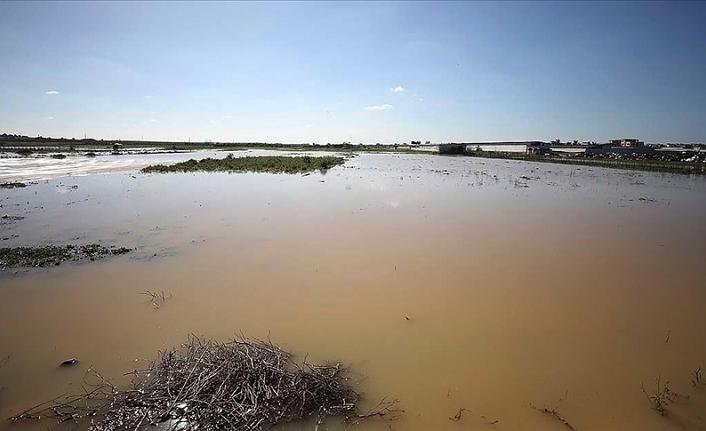 İsrail Filistinlilerin tarlalarını sular altında bıraktı