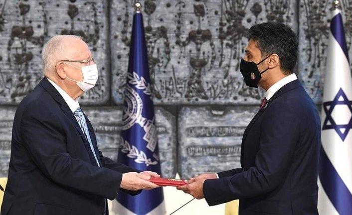 BAE'nin ilk Tel Aviv Büyükelçisi İsrail Cumhurbaşkanının yanında