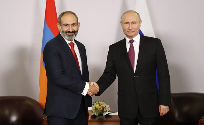 Ermenistan Başbakanı Paşinyan, Putin karşısında çark etti