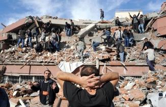 44 saniye: 17 Ağustos 1999 Marmara Depremi