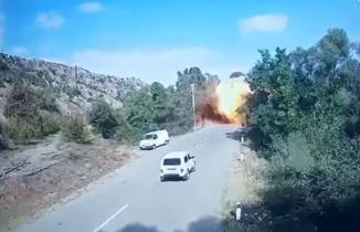 Ermenistan'a yeni darbe: Köprü havaya uçuruldu