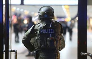 Köln'de rehine krizi