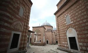 Yaşayan Osmanlı ruhu; Muradiye Külliyesi